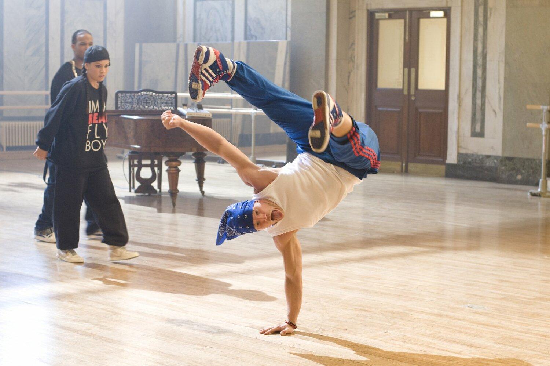 фото танцоров уличных танцев лжеца
